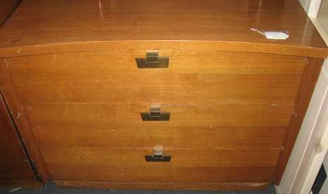 3-drawer-chest-before